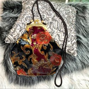 VINTAGE CRUSHED VELVET FLORAL HAND BAG